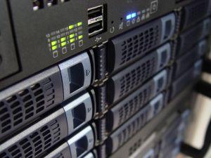 mantenimiento-servidores-ordenadores-informatico-rack-madrid