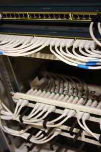 mantenimiento-informatico-eventos-panel-parcheo-instalacion-cableados-redes
